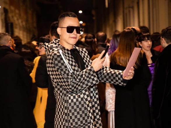 Ông bầu Vũ Khắc Tiệp tại Tuần lễ thời trang Milan vừa qua.